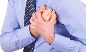 حقيقة حدوث 90% من الأزمات والنوبات القلبية ليلًا - المواطن