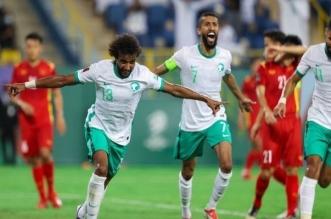 عبر التاريخ تعرف على قائمة لاعبي المنتخب السعودي الذين سجلوا في مرمى عمان - المواطن