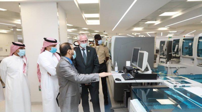 سفير الدنمارك يزور مدينة الملك سعود الطبية - المواطن