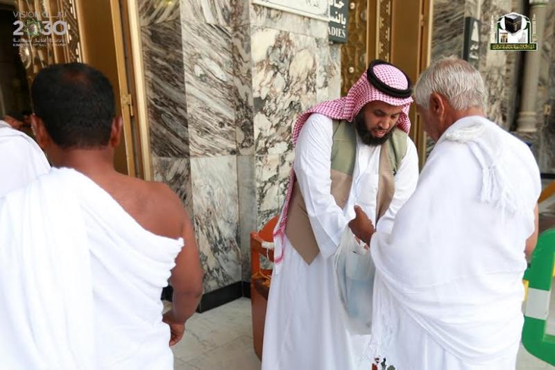210 باباً تشرع خدماتها لقاصدي المسجد الحرام خلال رمضان1