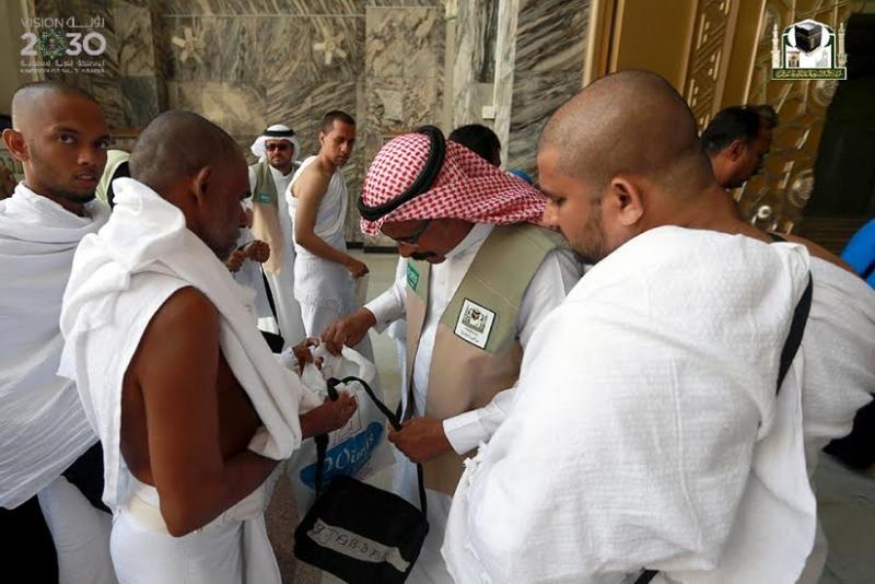 210 باباً تشرع خدماتها لقاصدي المسجد الحرام خلال رمضان3