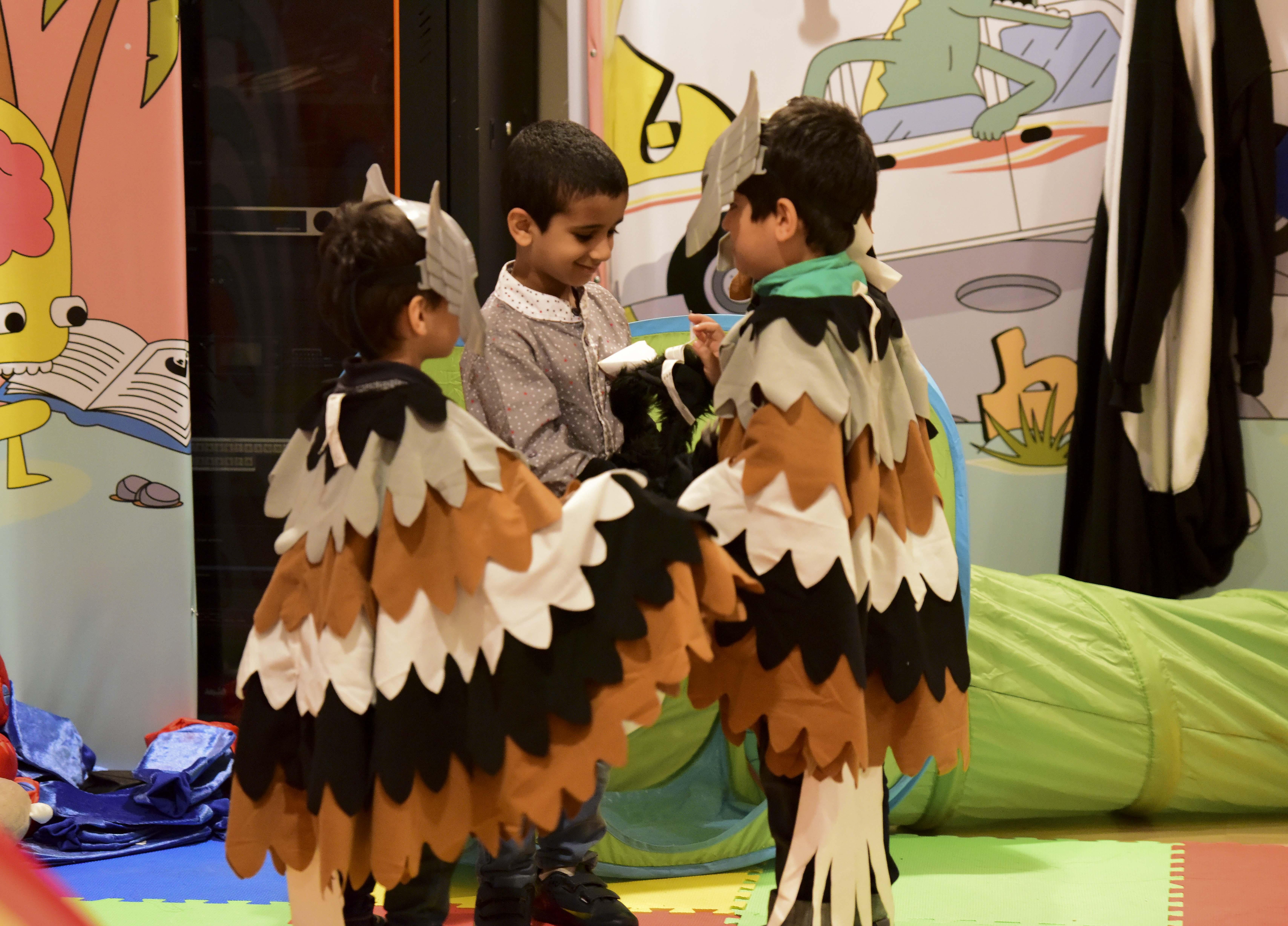2100 طفل يشاركون برحلة ثقافية في مسك الخيرية بمعرض الكتاب (5)