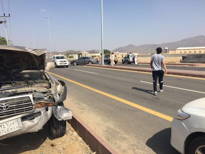 بالصور.. حادث تَصَادم يصيب ٩ معلمين بمحافظة الليث22