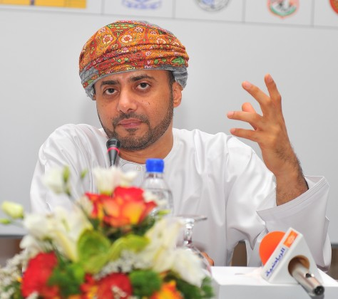 خالد البوسعيدي رئيس الاتحاد العماني لكرة القدم