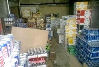 البلدية تغلق مستودعات غذائية مخالفة بدومة الجندل