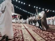 قبيلة خديد في قرية الدار الحمراء تزف 16 عريساً