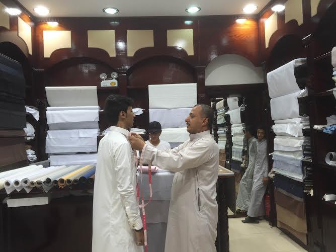 250 مليون ريال أرباح الثياب الرجالية بمكة.. رمضان موسم الخياطين
