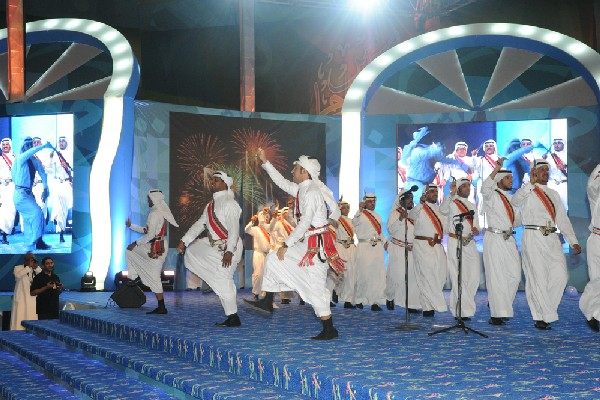 بالصور.. اختتام احتفالات الرياض بمحاورة شعرية ساخنة وعروض للدرعية - المواطن