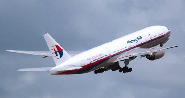 خبير: قائد الطائرة الماليزية قتل الركاب قبل الانتحار!