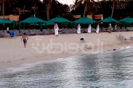 بالصور.. ضبط 3 شباب وفتاتين في خلوة بمنتجع شهير بجدة - المواطن