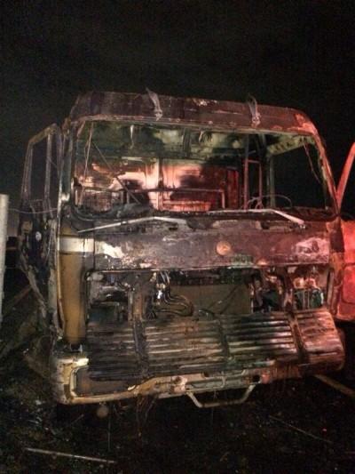 التماس كهربائي يتسبب في اشتعال حريق بشاحنة في الطائف - المواطن