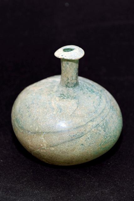 بالصور.. هيئة السياحة تعرض أواني زجاجية فريدة تعود للألف الأول قبل الميلاد - المواطن