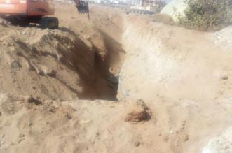 بعد انسحاب المقاول .. دفن مشروع الصرف الصحي بطريق لزمة بأحد رفيدة - المواطن