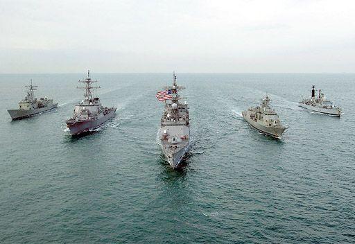 البحرية الأمريكية تؤكد فقدان أحد جنودها في مياه الخليج
