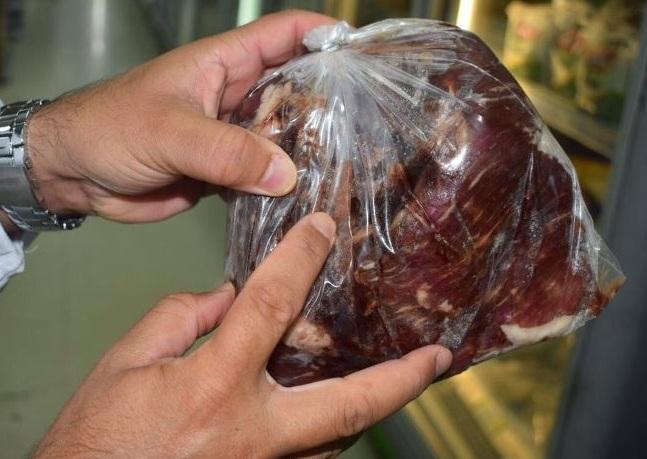إتلاف 1200 كيلو لحوم فاسدة في الجبيل