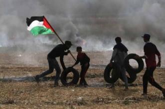 بالصور.. الفلسطينيون يتوافدون على حدود غزة والاحتلال يتصدى بالغاز - المواطن