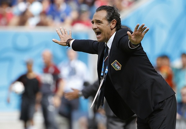 Italy's coach Cesare Prandelli shouts during the 2014 World Cup Group D soccer match between Italy and Costa Rica at the Pernambuco arena