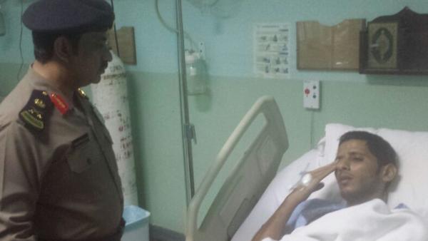 وزير الداخلية يكافئ العسكري الذي سقط على صخرة