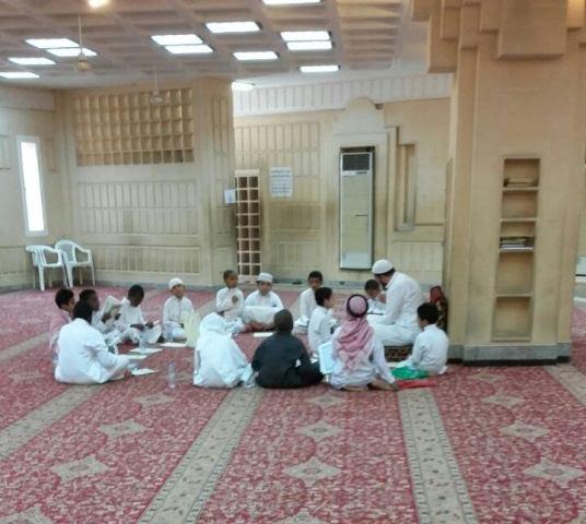 48 طالباً يشاركون في يوم الهمة لمراجعة القرآن الكريم بجامع العقيل بالرياض