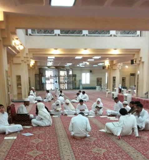 48 طالباً يشاركون في يوم الهمة لمراجعة القرآن الكريم بجامع العقيل بالرياض1