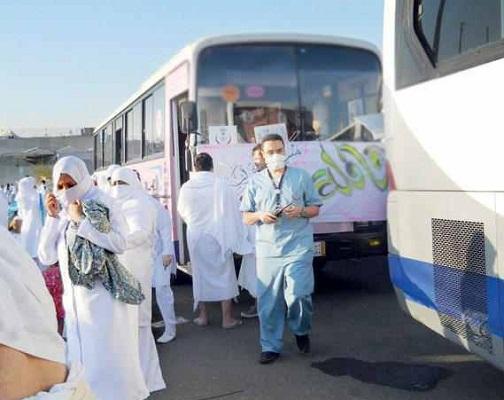 حافلات نقل المعتمرين بالعيد