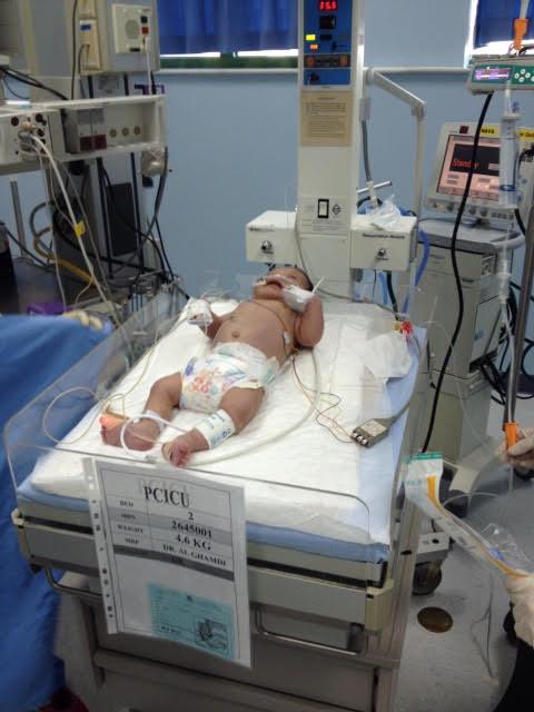 مدينة الملك عبدالعزيز تستقبل الرضيع المصري حمزة5