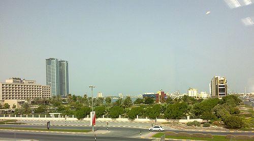 500px-شارع_بن_ظاهر_-_منطقة_النخيل