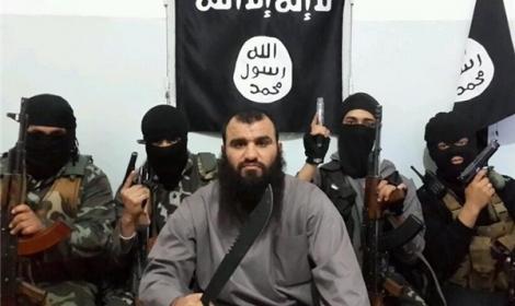 """داعش يقطع رأس أحد قادته بتهمة """"السرقة"""" بسوريا"""