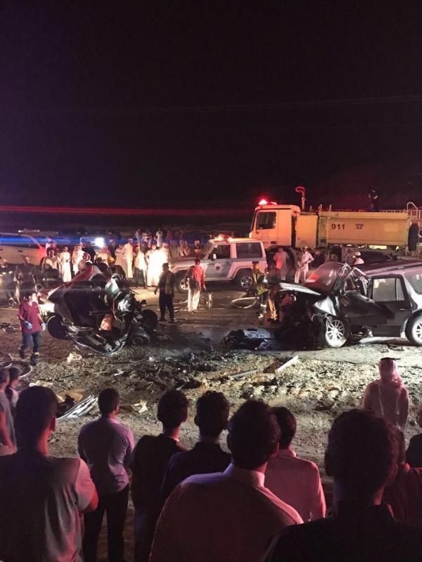 بالصور.. 7 وفيات و5 إصابات في حادث مروع بطريق الجائزة – الحجرة