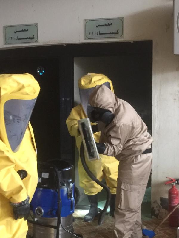 بالصور.. تسرّب مواد كيميائية بجامعة #المندق6 - Copy