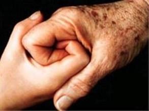 مسن تسعيني يقضي نحبه بعد زواجه من عشرينية بالعراق - المواطن