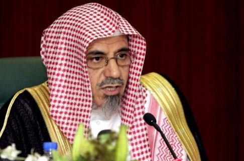 إمام وخطيب المسجد الحرام بمكة المكرمة الشيخ الدكتور صالح بن حميد