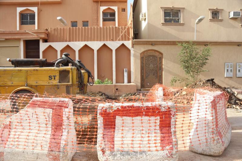 مواطنون بعريجاء #الرياض : تمديدات الصرف تمر بجوارنا.. والشركة تتجاهلنا66