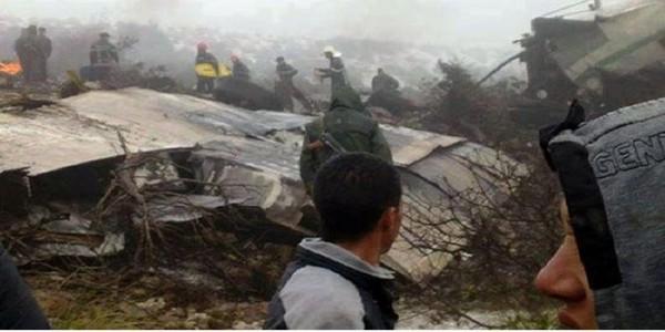 سقوط طائرة عسكرية جزائرية ومصرع أفراد طاقمها