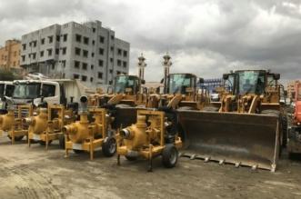 بالصور.. 296 آلية ومعدة و1180 عاملا ومراقبا لمواجهة أمطار عسير - المواطن
