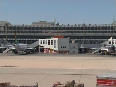مطار طرابلس الليبي
