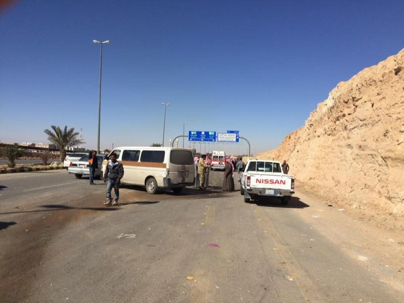 وفاة موقوف في تصادم سيارة أمنية واصابة خمسة اشخاص بحادث مروع بعرعر 7