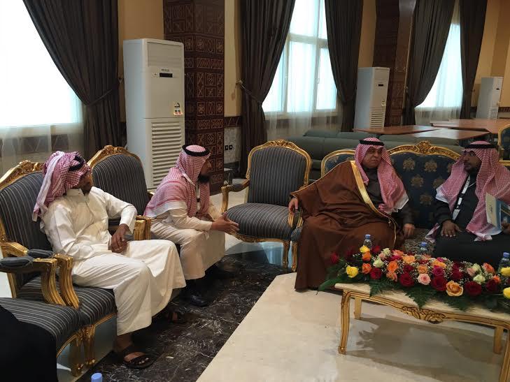 وزير الشؤون الاجتماعية- الدكتور ماجد القصبي-يتلقي بعدد من أُسر أطفال التوحد7