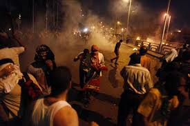 74 قتيلاً و 748 جريحاً حصيلة الاشتباكات في مصر