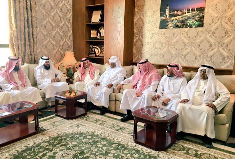 محافظ #بيشة يلتقي رئيس وأعضاء المجلس البلدي7474