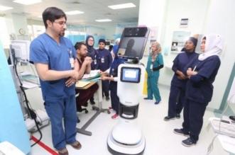 بالصور.. طبيب آلي يستقبل مرضى العناية المركزة بسعود الطبية - المواطن