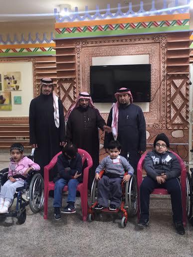رئيس النادي #الأهلي ونائبه يزوران الأطفال المعوقين بـ #عسير8