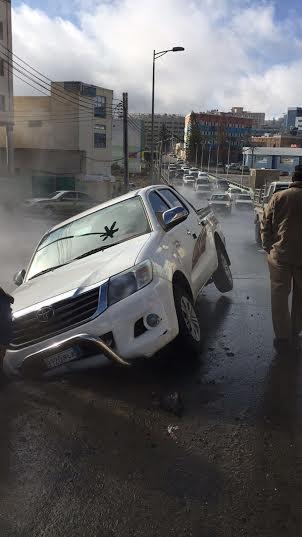 هبوط بشارع حيوي وسط #أبها يبتلع سيارة8