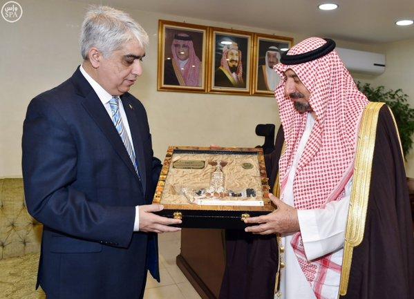 أمير نجران يستقبل القنصل العام لجمهورية باكستان الإسلامية8