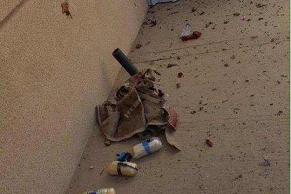 بالصورة.. نجاة المصلين بمسجد #الأحساء من تفجير كارثي8