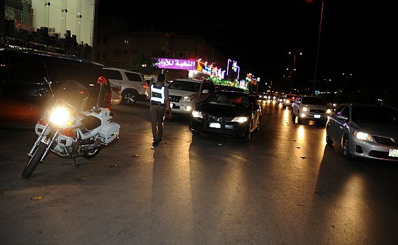 fcb328ef0 ضبطت إدارة مرور الرياض خلال شهر محرم وصفر وربيع أول، 80788 مخالفة وقوف  ممنوع في جميع أنحاء مدينة الرياض، وذلك خلال تطبيق خطة مخالفة الوقوف الخاطئ  في مدينة ...
