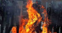 احتجاجات ضد نظام شراء السلع ببصمات الأصابع بفنزويلا