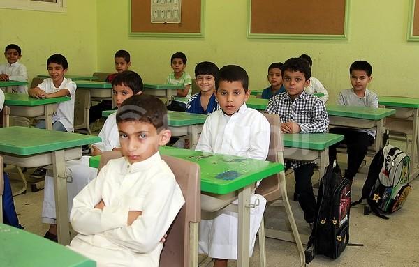 """""""المواطن"""" ترصد بالصور أول يوم دراسي في مدارس الرياض - المواطن"""