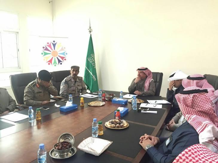 بالصور.. الهزاع يجتمع بمديري الدوائر الحكومية استعدادًا لمهرجان كلنا #الخفجي