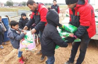 بالصور.. لأجلك يا حلب تواصل تقديم المساعدات للنازحين السوريين - المواطن